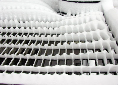 Snow on the gratings